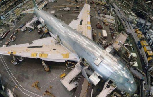 Fábrica de Boeing en Everett: cómo es trabajar en el edificio más grande del mundo