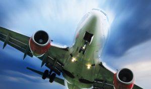 """El drástico aumento de las muertes en accidentes de avión (y por qué se habla entonces de un """"enorme progreso"""" en seguridad aérea)"""