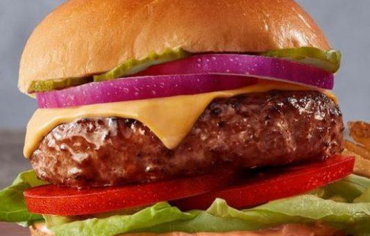 """El explosivo crecimiento del negocio de la """"carne vegana"""" donde han invertido famosos como Bill Gates y Leonardo DiCaprio"""
