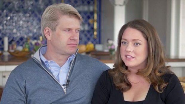 La pareja de multimillonarios jóvenes que quiere pagar más impuestos (y quiere que otros ricos hagan lo mismo)