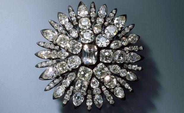 """Robo de la Bóveda Verde de Dresde: el espectacular hurto de una """"invaluable"""" colección de joyas en Alemania"""