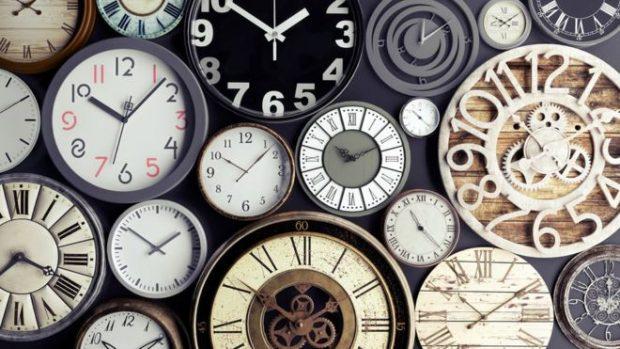 Las curiosas maneras en las que nuestra mente nos engaña sobre el paso del tiempo