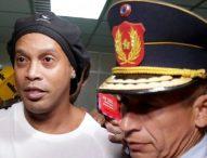 Ronaldinho: detienen al exfutbolista brasileño en Paraguay por entrar al país con un pasaporte supuestamente manipulado