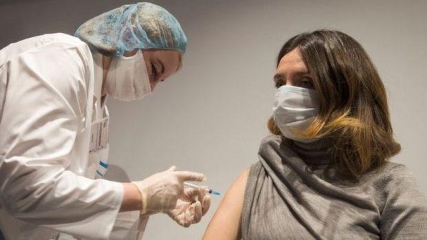 """Vacuna contra el coronavirus: la OMS advierte que el mundo está al borde de un """"fracaso moral catastrófico"""""""
