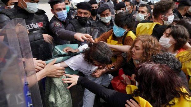 En imágenes: así se vivieron las protestas y marchas en el mundo por el Día de los Trabajadores a pesar del coronavirus