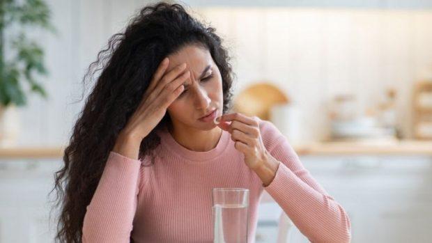 Por qué no debemos tomar paracetamol para combatir la resaca (y qué alternativa es mejor)