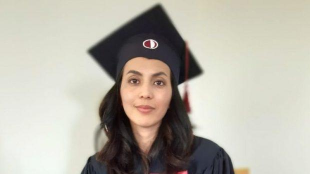 """""""Te llevaremos a la fuerza y serás nuestra esposa"""": la mujer afgana que huyó de su país y ahora busca en Chile """"un futuro luminoso"""""""