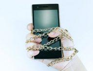 """¿Cómo sé si padezco """"nomofobia"""", miedo irracional a no tener el móvil (ni WhatsApp)?"""